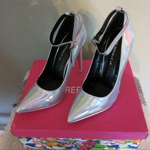 Shoe Republic NWT Hologram Heels/Stilettos Pointy